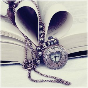 book-clock-cute-fancy-lovely-Favimcom-315995_zps4859a6e5